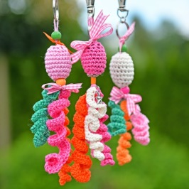 How to crochet a keychain